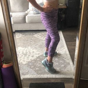 Lululemon Purple Striped Cropped Leggings Pockets!